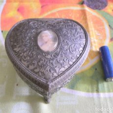 Antigüedades: JOYERO CON FORMA DE CORAZON. Lote 96506295