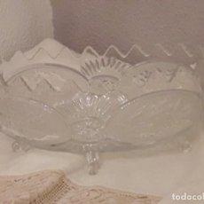 Antigüedades: EXQUISITO CENTRO DE MESA EN CRISTAL TALLADO. Lote 96559119
