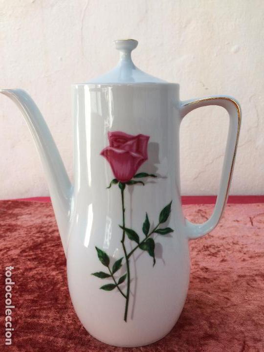Antigüedades: JUEGO ANTIGUO DE CAFE EN PORCELANA DE BAVARIA SELLADO BAREUTHER - Foto 17 - 96592335