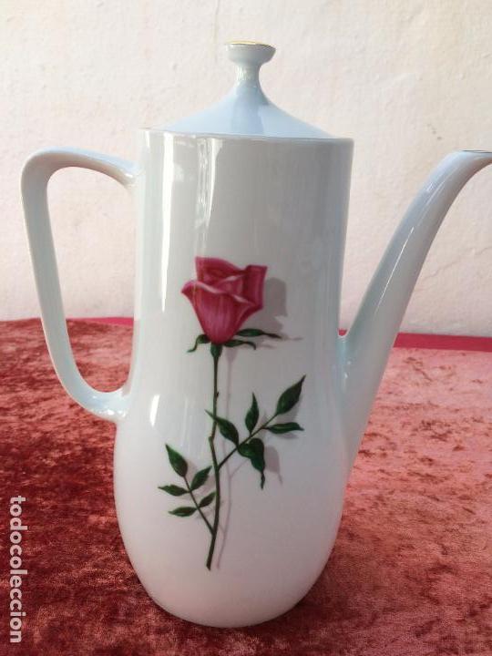 Antigüedades: JUEGO ANTIGUO DE CAFE EN PORCELANA DE BAVARIA SELLADO BAREUTHER - Foto 18 - 96592335