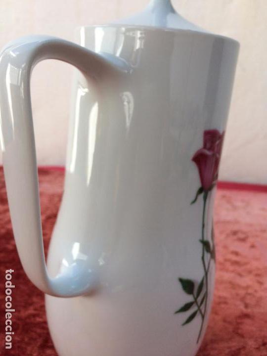 Antigüedades: JUEGO ANTIGUO DE CAFE EN PORCELANA DE BAVARIA SELLADO BAREUTHER - Foto 20 - 96592335