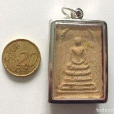 Antigüedades: BUDA AMULETO COLGANTE - SIGLO XX - HECHO A MANO AUTENTICO DEL TIBET. Lote 96621095