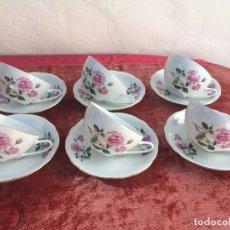 Antigüedades: JUEGO ANTIGUO DE 6 TAZAS DE CAFE EN PORCELANA SELLADAS. Lote 96623907