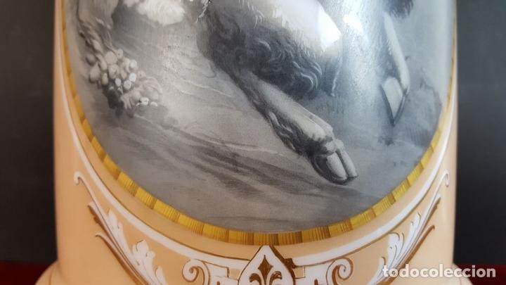 Antigüedades: JARRO DE FARMACIA. OPALINA BLANCA ESTAMPADA. ESCENA SATIRICA. SIGLO XIX. - Foto 9 - 96647515