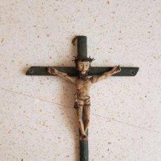 Antigüedades: CRUCIFIJO TALLADO EN MADERA S.XVII APROX.. Lote 96710367