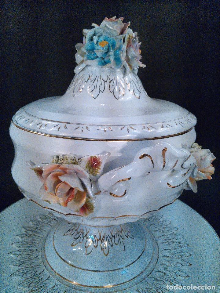 SOPERA CON PLATO. PORCELANA. CENTROEUROPA S. XIX. (Antigüedades - Porcelanas y Cerámicas - Otras)