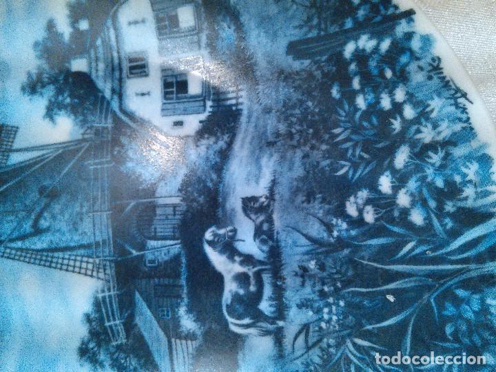 Antigüedades: PAREJA DE PLATOS EN PORCELANA DE DELFT. HOLANDA. FIRMADOS. SELLOS AL DORSO. - Foto 5 - 96721651