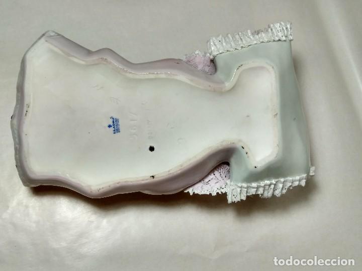 Antigüedades: NIÑA DE PAÑALES - LLADRO REF 01005617 - ESCULTOR FRANCISCO CATALA - Foto 17 - 96784587