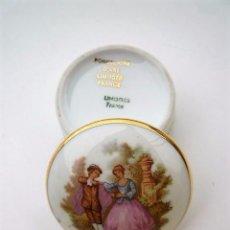 Antiquités: CAJA JOYERO PASTILLERO EN PORCELANA DE LIMOGES DART DOBLEMENTE SELLADA, PERFECTA. Lote 235895870