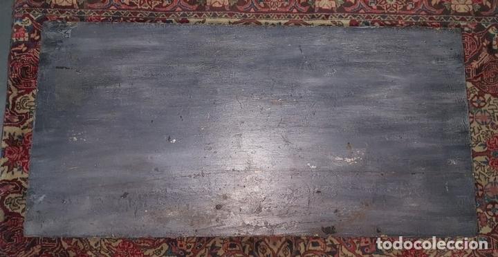 Antigüedades: MESA DE CENTRO ESTILO EGIPCIA. MADERA DE NOGAL. POLICROMADA A MANO. ESPAÑA. SIGLO XIX. - Foto 5 - 96820159