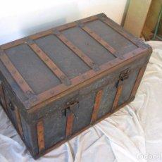 Antigüedades: ANTIGUO BAÚL O COFRE DE MADERA Y CHAPA -FINALES SIGLO XIX. Lote 96862547