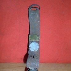 Antigüedades: ANTIGUO COLLAR DE CUERO PARA PERRO CAREA. Lote 96875371