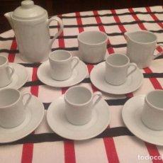 Antigüedades: JUEGO CAFÉ PORCELANA BIDASOA DE SEIS SERVICIOS COMPLETO, 15 PIEZAS . Lote 96887395