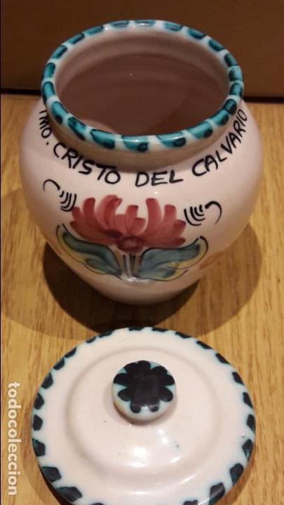 Antigüedades: SANTÍSIMO CRISTO DEL CALVARIO. TARRO DE CERÁMICA / PUENTE DEL ARZOBISPO. 12 CM. PERFECTO. - Foto 2 - 96888043