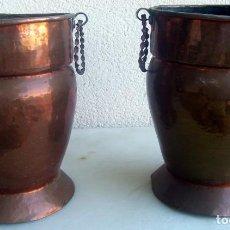 Antigüedades: MACETEROS O JARRONES DE COBRE CON ASAS - LOTE DE 2. Lote 96897951