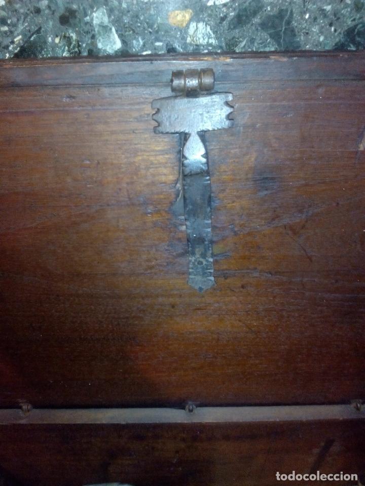 Antigüedades: ARCÓN TALLADO ROBLE - Foto 3 - 95390871