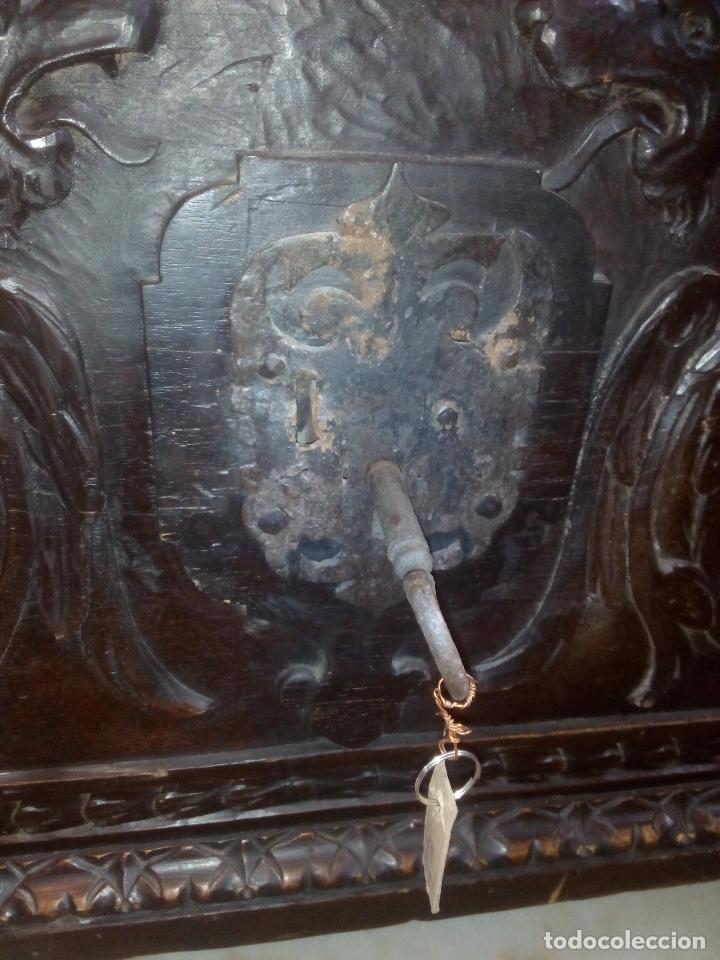 Antigüedades: ARCÓN TALLADO ROBLE - Foto 5 - 95390871
