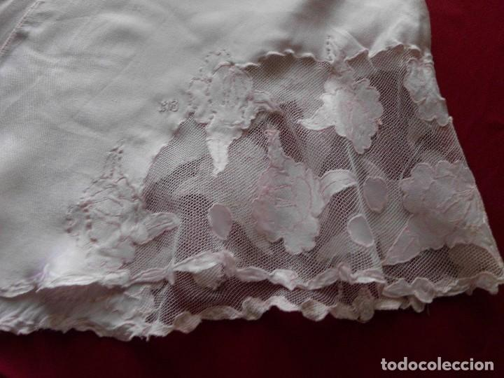 Antigüedades: Antiguas bragas de satén y tul con aplicaciones bordadas - Foto 4 - 112012199
