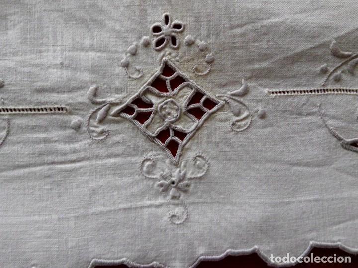 Antigüedades: ANTIGUO TAPETE BORDADO RICHELIEU - Foto 7 - 96997723