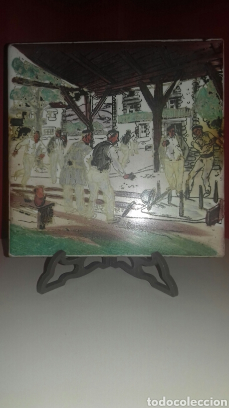MUY ANTIGUO AZULEJO CON OBRA JOSE ARRUE PINTADO A MANO AÑOS 40 FIRMA ILEGIBLE PAIS VASCO (Antigüedades - Porcelanas y Cerámicas - Alcora)