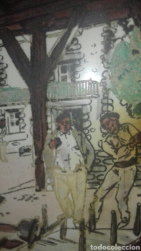 Antigüedades: Muy antiguo azulejo con obra JOSE ARRUE Pintado a mano Años 40 Firma ilegible Pais Vasco - Foto 3 - 97009163