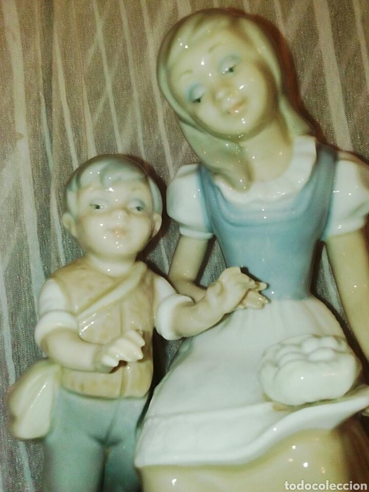 FIGURA DE PORCELANAS TENGRA VALENCIA. NIÑOS PASTORES. (Antigüedades - Porcelanas y Cerámicas - Otras)