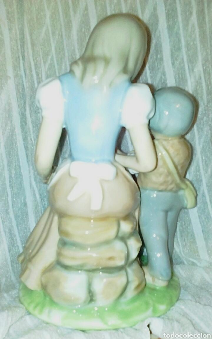 Antigüedades: Figura de porcelanas Tengra Valencia. Niños pastores. - Foto 6 - 97042899