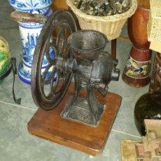 Antigüedades: MUY ANTIGUO MOLINILLO DE CAFE. Lote 97052570