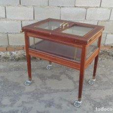 Antigüedades: CARRITO CAMARERA DE HOTEL MOSTRADOR VITRINA ANTIGUA RETRO VINTAGE CARRO SERVIR ANTIGUO MUEBLE BAR. Lote 97164567
