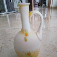 Antigüedades: BONITA JARRA DE OPALINA.. 22 CM DE ALTURA.. Lote 97195543