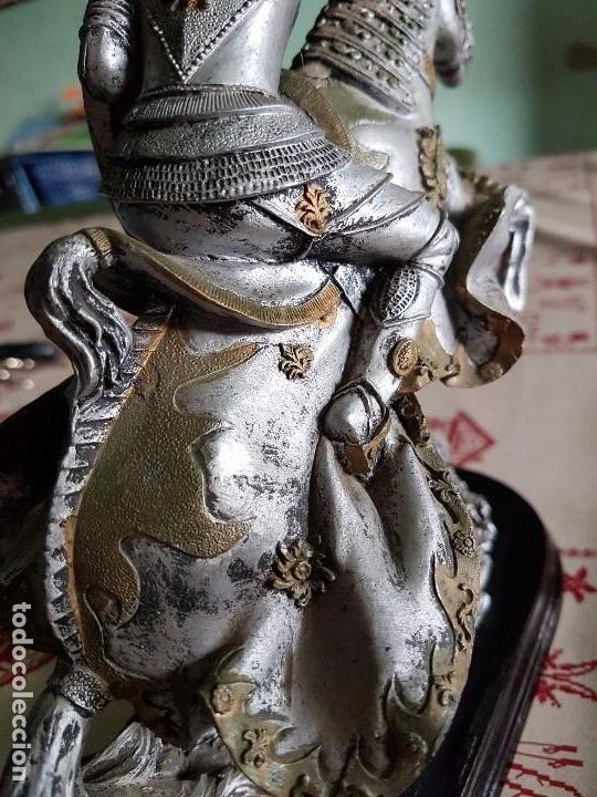 Antigüedades: Figura de resina caballero a caballo con su armadura - Foto 9 - 97212391