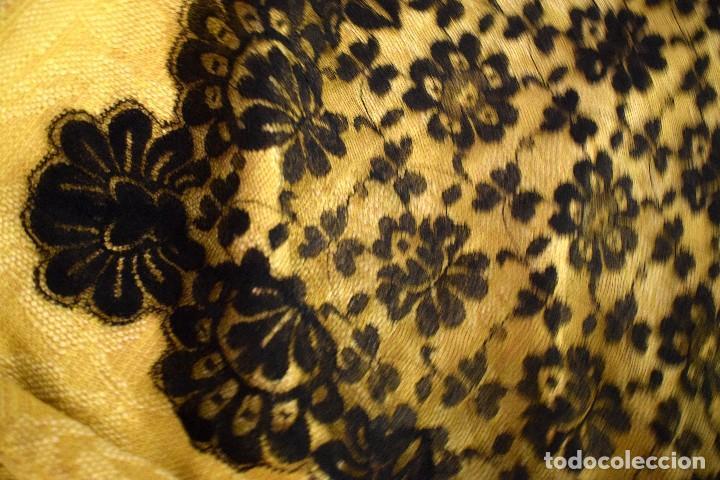 Antigüedades: Mantilla antigua o chal de encaje de blonda 200x 100 cm - Foto 3 - 97254243