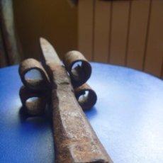 Antigüedades: PICADALLA YUNQUE GUADAÑA SEGAR SIGLO XIX. Lote 97297439