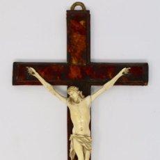 Antigüedades: CRUCIFIJO CON CRISTO DE MARFIL Y CRUZ DE CAREY - SIGLO XVIII - CRUZ 33 X 15 CM - CRISTO 13 X 12 CM. Lote 97362583