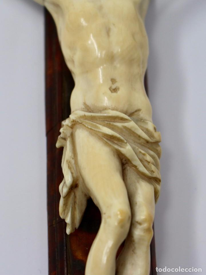 Antigüedades: CRUCIFIJO CON CRISTO DE MARFIL Y CRUZ DE CAREY - SIGLO XVIII - CRUZ 33 x 15 cm - CRISTO 13 X 12 cm - Foto 3 - 97362583