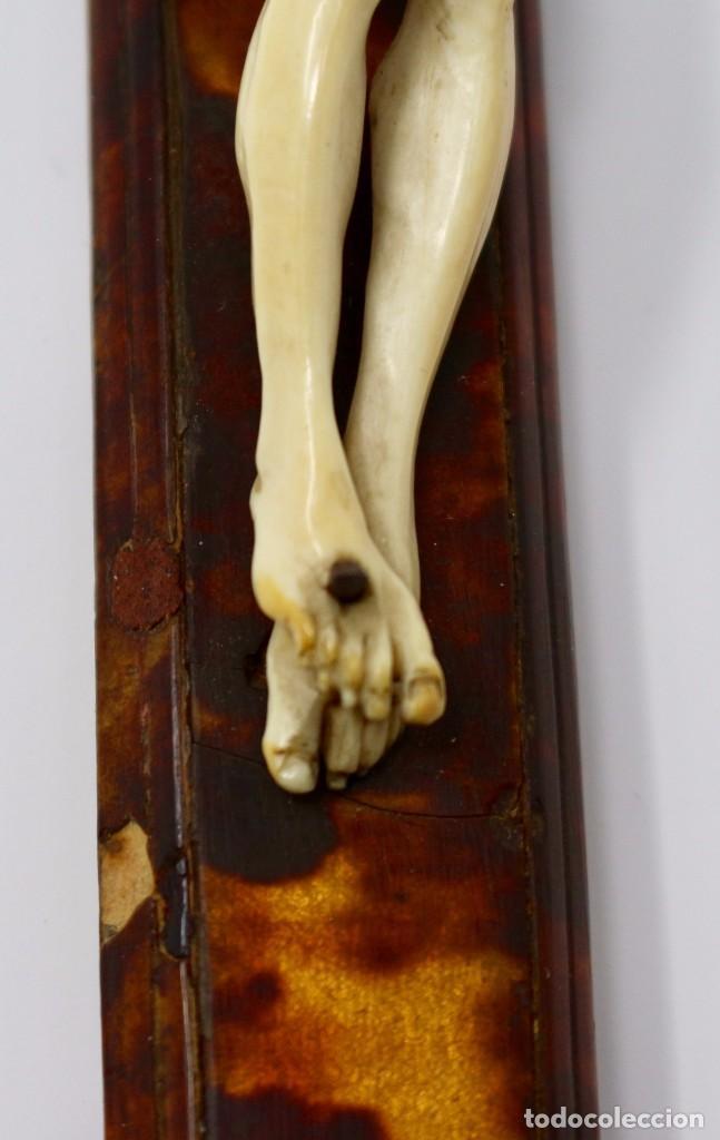 Antigüedades: CRUCIFIJO CON CRISTO DE MARFIL Y CRUZ DE CAREY - SIGLO XVIII - CRUZ 33 x 15 cm - CRISTO 13 X 12 cm - Foto 4 - 97362583