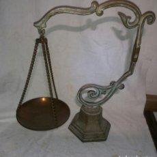 Antigüedades: COLGADOR DE OBJETOS EN BRONCE. Lote 97364803
