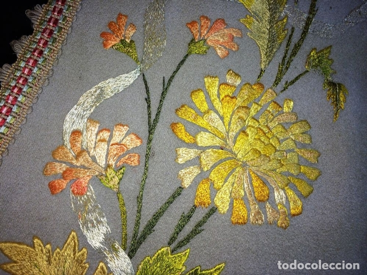 Antigüedades: CORTINA. BAMBALINA. TEJIDO DE LANA CON BORDADOS A MANO EN ALGODÓN. ESPAÑA. CIRCA 1850 - Foto 6 - 97378411