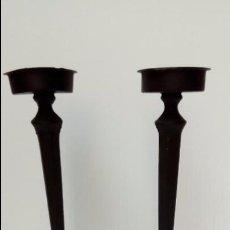 Antigüedades: CANDELABROS DE FORJA -PAREJA-. Lote 97381539