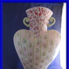 Antigüedades: PRECIOSO JARRON KITSCH CON FORMA DE CORAZON. Lote 97451167