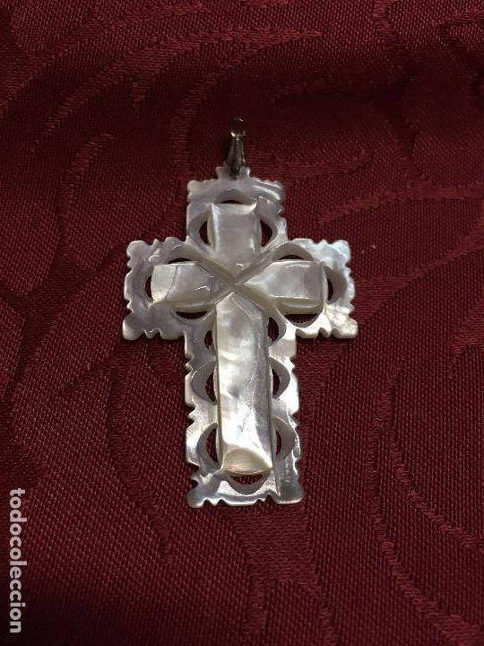 MAGNIFICA CRUZ DE NACAR Y COLGADURA DE PLATA - MEDIDA 5X3 CM - RELIGIOSO - (Antigüedades - Religiosas - Cruces Antiguas)