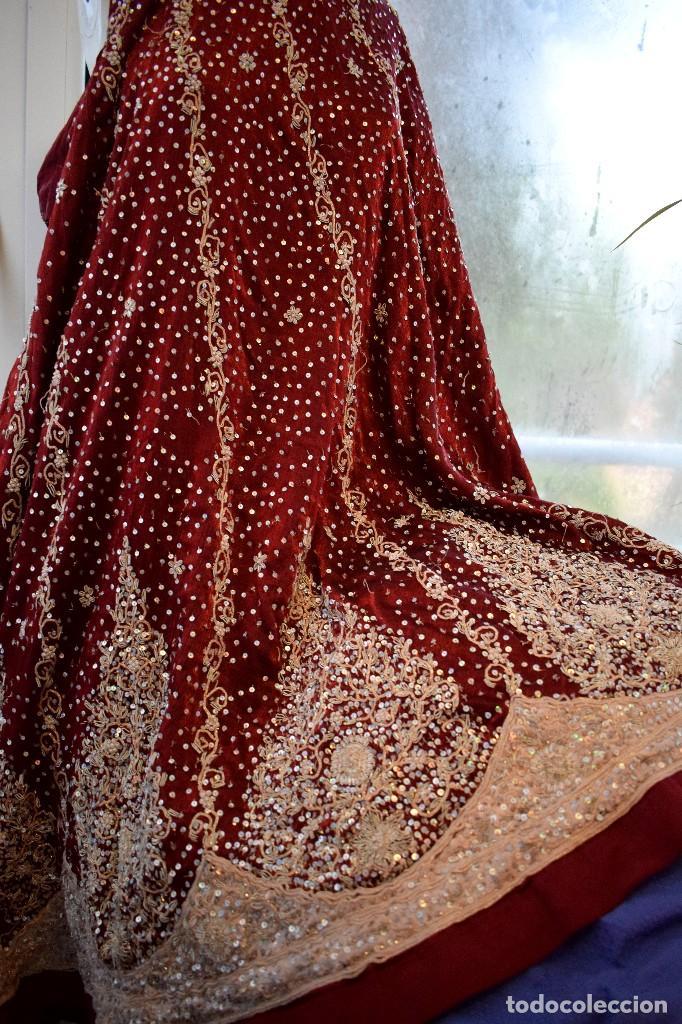 Antigüedades: Impresionante falda para imagen virgen o regional bordada en pedreria o saya 4,40 cm de vuelo x 110 - Foto 6 - 97478203