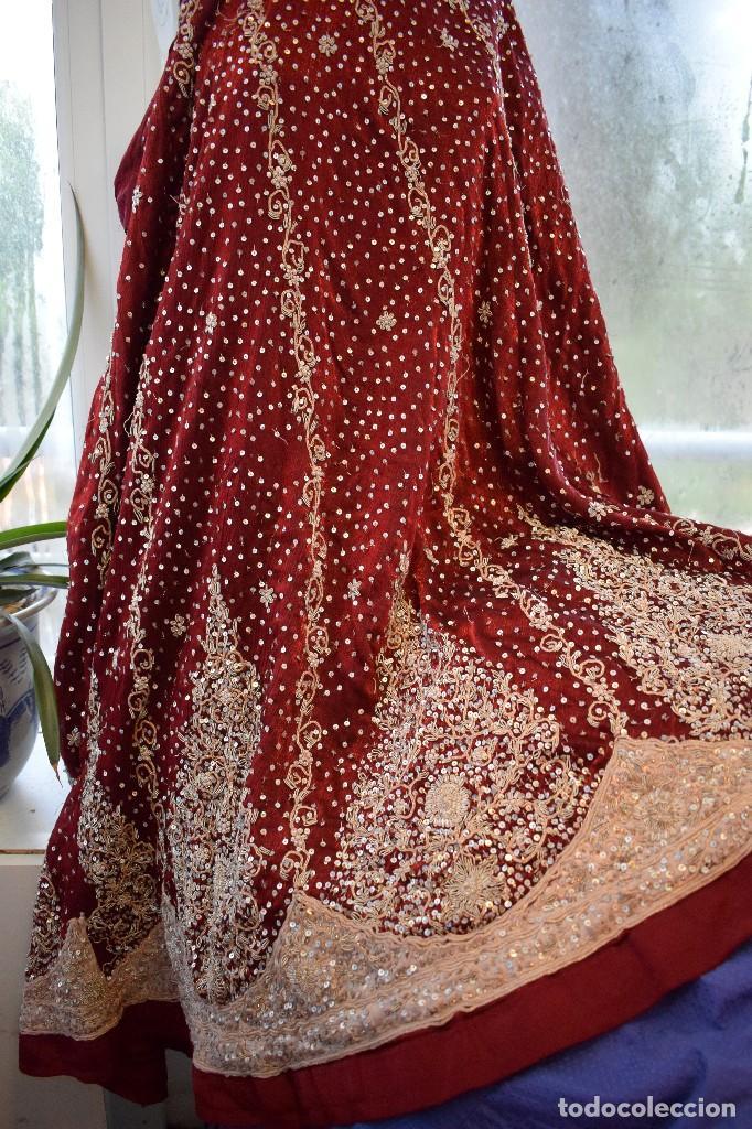 Antigüedades: Impresionante falda para imagen virgen o regional bordada en pedreria o saya 4,40 cm de vuelo x 110 - Foto 9 - 97478203