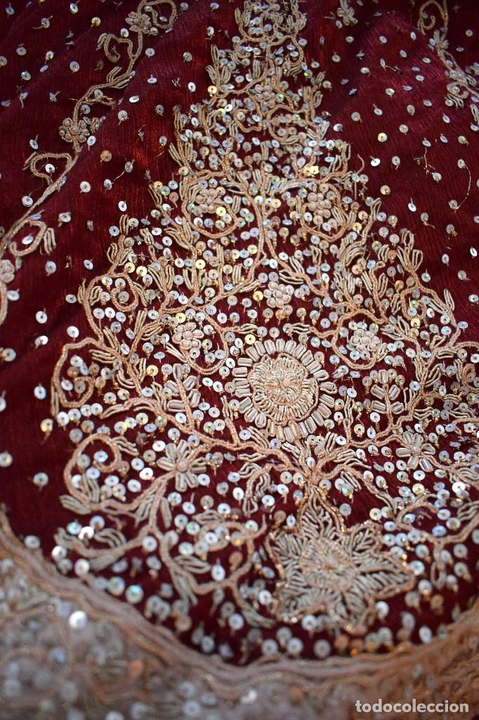 Antigüedades: Impresionante falda para imagen virgen o regional bordada en pedreria o saya 4,40 cm de vuelo x 110 - Foto 10 - 97478203
