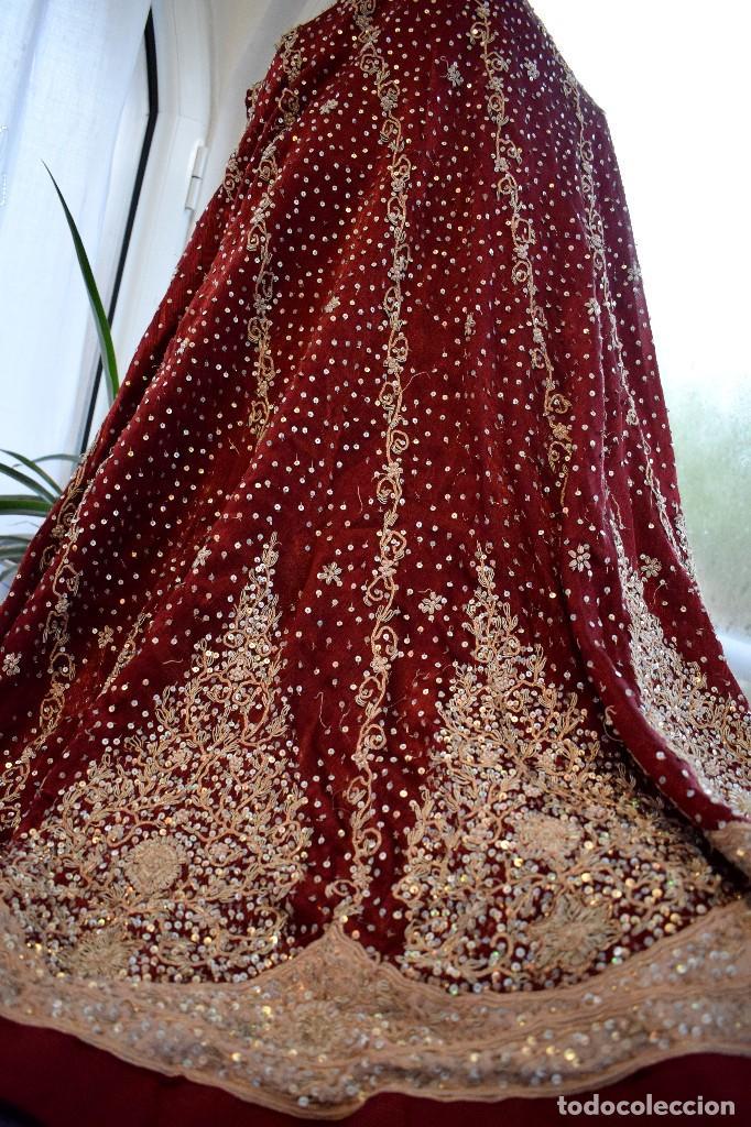 Antigüedades: Impresionante falda para imagen virgen o regional bordada en pedreria o saya 4,40 cm de vuelo x 110 - Foto 12 - 97478203