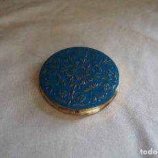 Antigüedades: POLVERA DE METAL DORADO CON ESMALTE COLOR AZUL - VINTAGE. Lote 97506987
