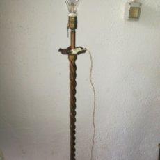 Antigüedades: LÁMPARA DE FORJA DE PIE. Lote 97512042