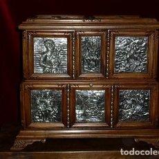 Antigüedades: ESPECTACULAR ARQUETA, PLATA Y NOGAL ESPAÑOL ( HOMENAJE A EL QUIJOTE) . Lote 97612087