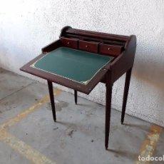 Antigüedades: PEQUEÑO SECRETER ANTIGUO DE PERSIANA, ESCRITORIO ANTIGUO DE TAPA, MUEBLE AUXILIAR VINTAGE. Lote 97646659