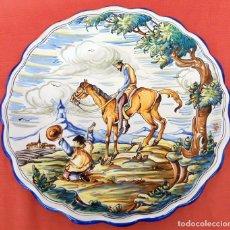Antigüedades: GRAN PLATO EN CERAMICA DE TALAVERA (MOVERMA) CON ESCENA DEL QUIJOTE. Lote 97709723